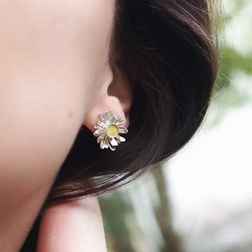 bijoux botanique boucles d'oreilles marguerite